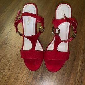 Sexy red rouge wedges
